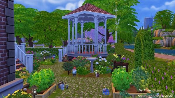 Frau Engel Flower Cottage House