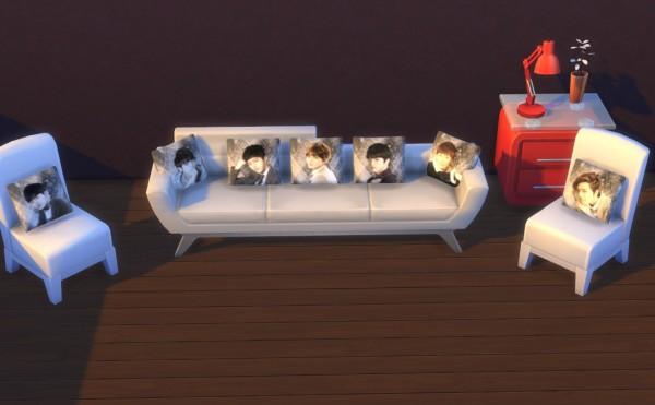 Darkiie Sims 4: Pillows, Rugs, Logo Wall Stickers , Polaroid and Nails