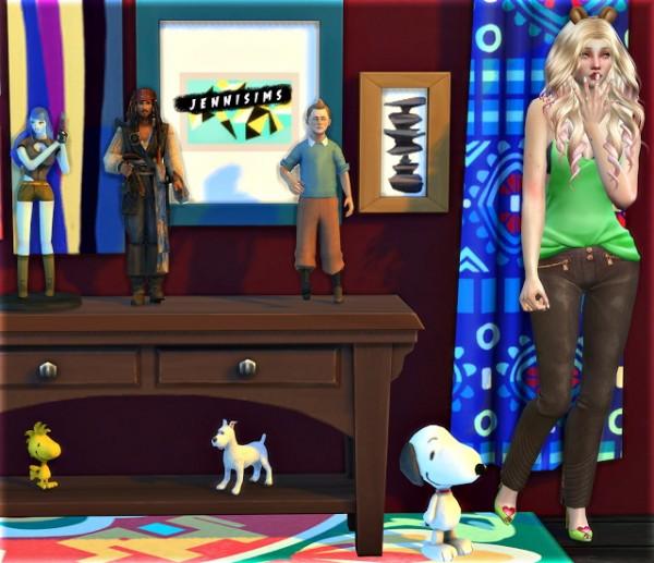 Jenni Sims: Decorative items   Anime Figure, Jack Sparrow, sandcastles, Snoopy, Woodstock, Tintin, snowy