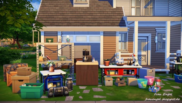 Frau Engel: Garage Sale no CC