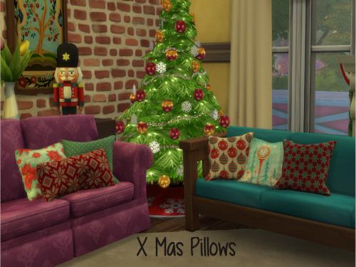 Chillis Sims: Christmas Pillows