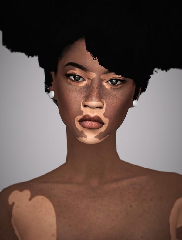 Aveline Sims: Lola Sawyer