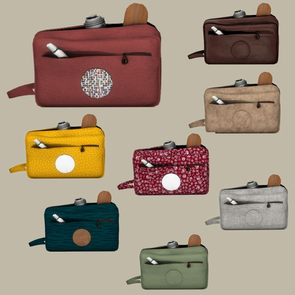 Leo 4 Sims: Toiletry bags