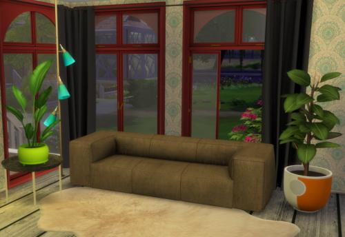 Chillis Sims: Leather Sofa