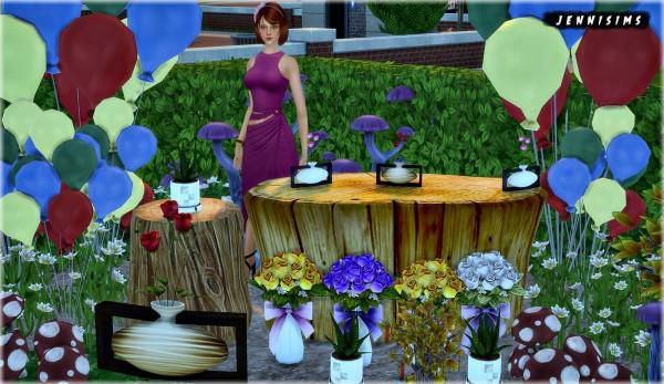 Jenni Sims: Decoratives Mushrooms, Balloons, Plants and Tables