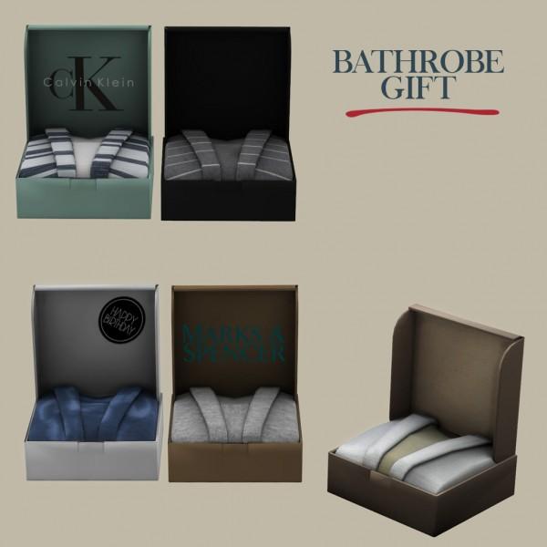 Leo 4 Sims: Bathrobe gift