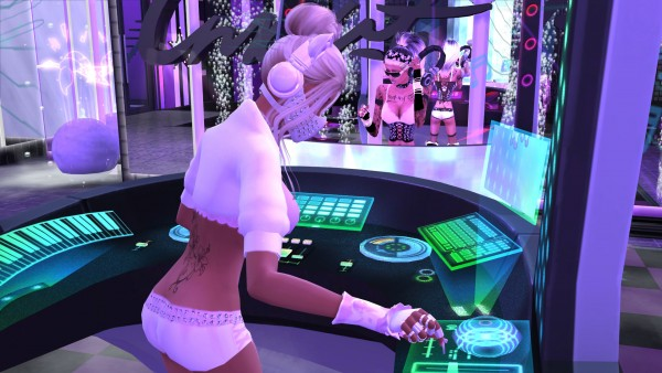 Mod The Sims: Hire More DJs and Bartenders by RevyRei