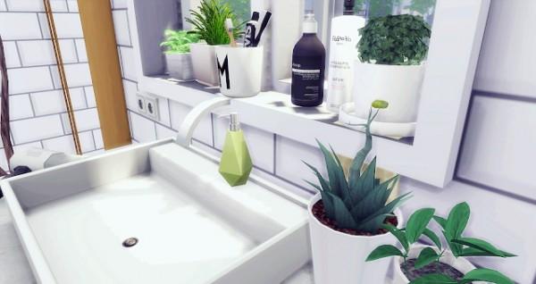 Liney Sims: Vintage Attic Bathroom