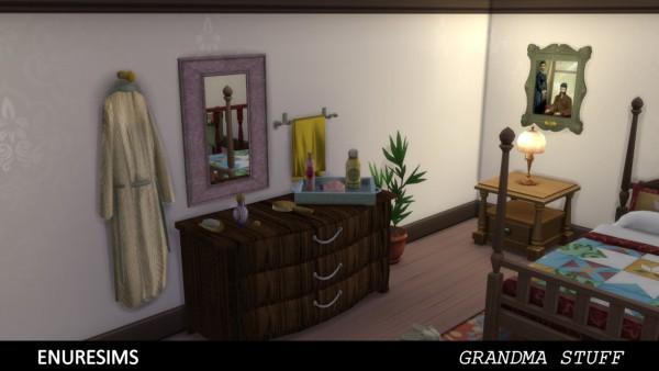Enure Sims: Grandma Stuff