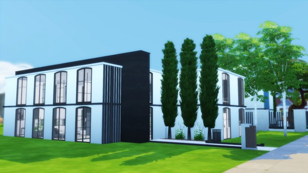 Simming With Mary: Black and White House
