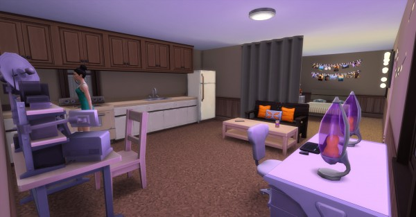 Luniversims: The carapatte of strangerville no cc by