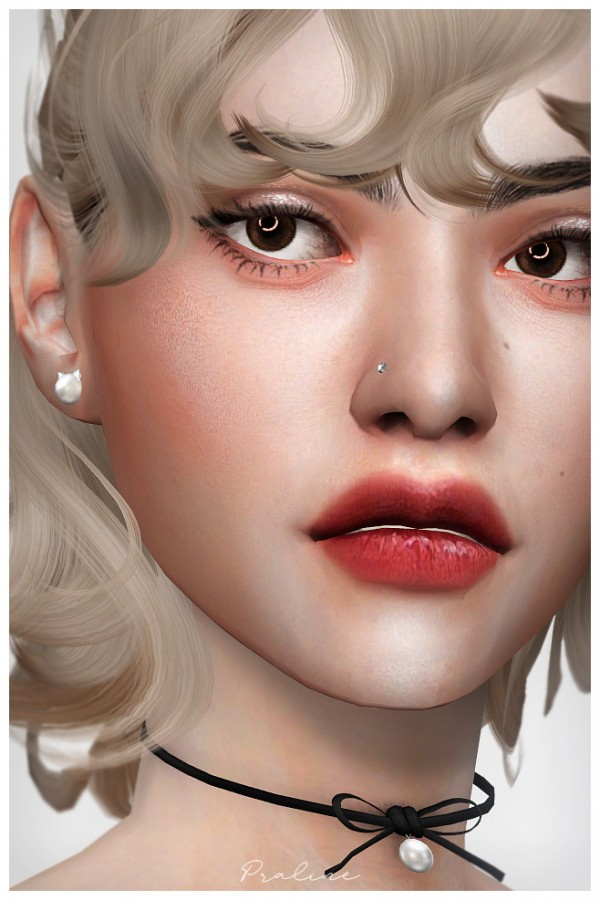 Praline Sims: Piercing