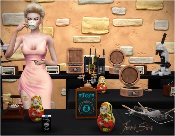 Jenni Sims: Clutter Decorative